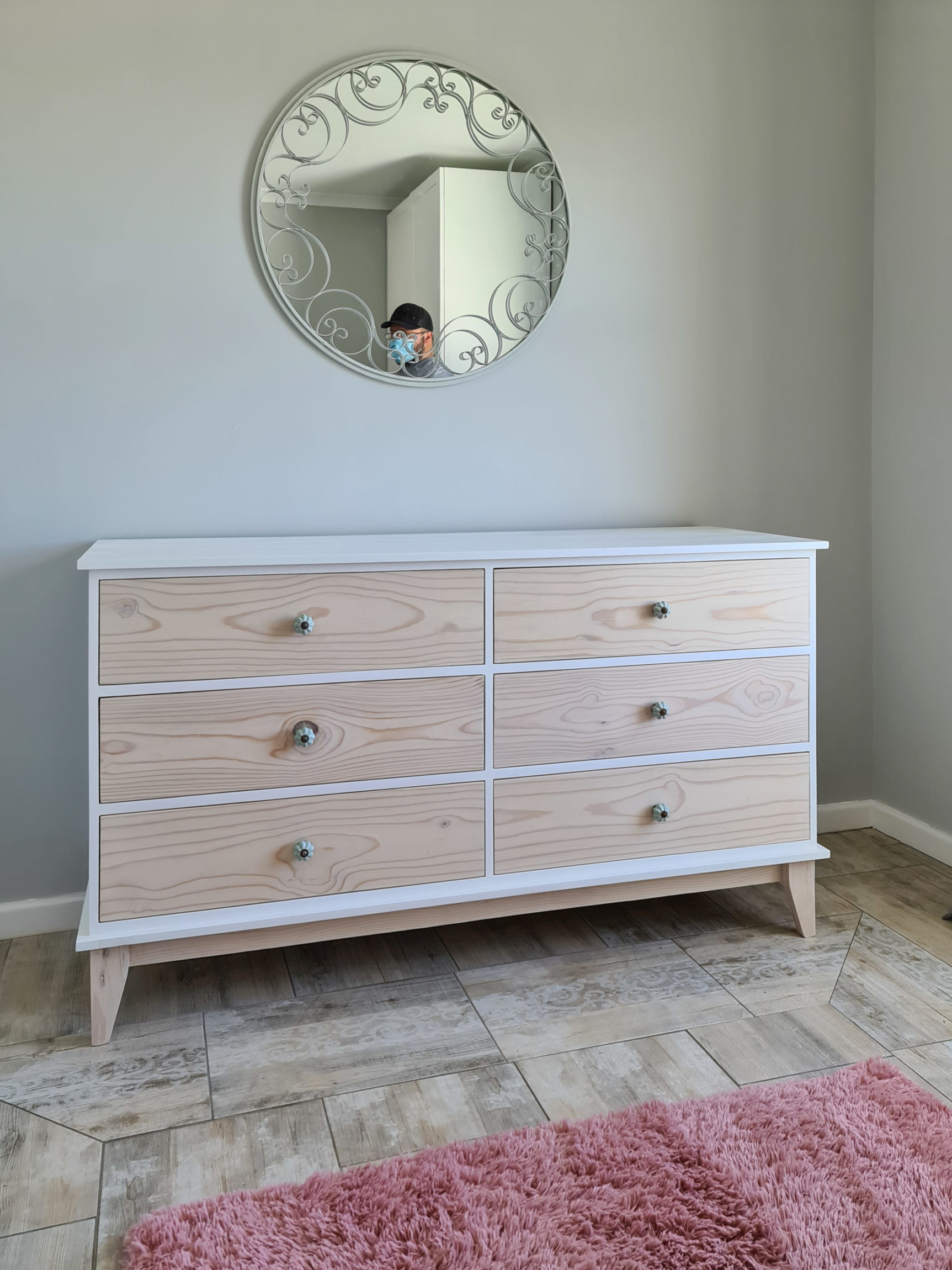 Large chest of drawers / Compactum