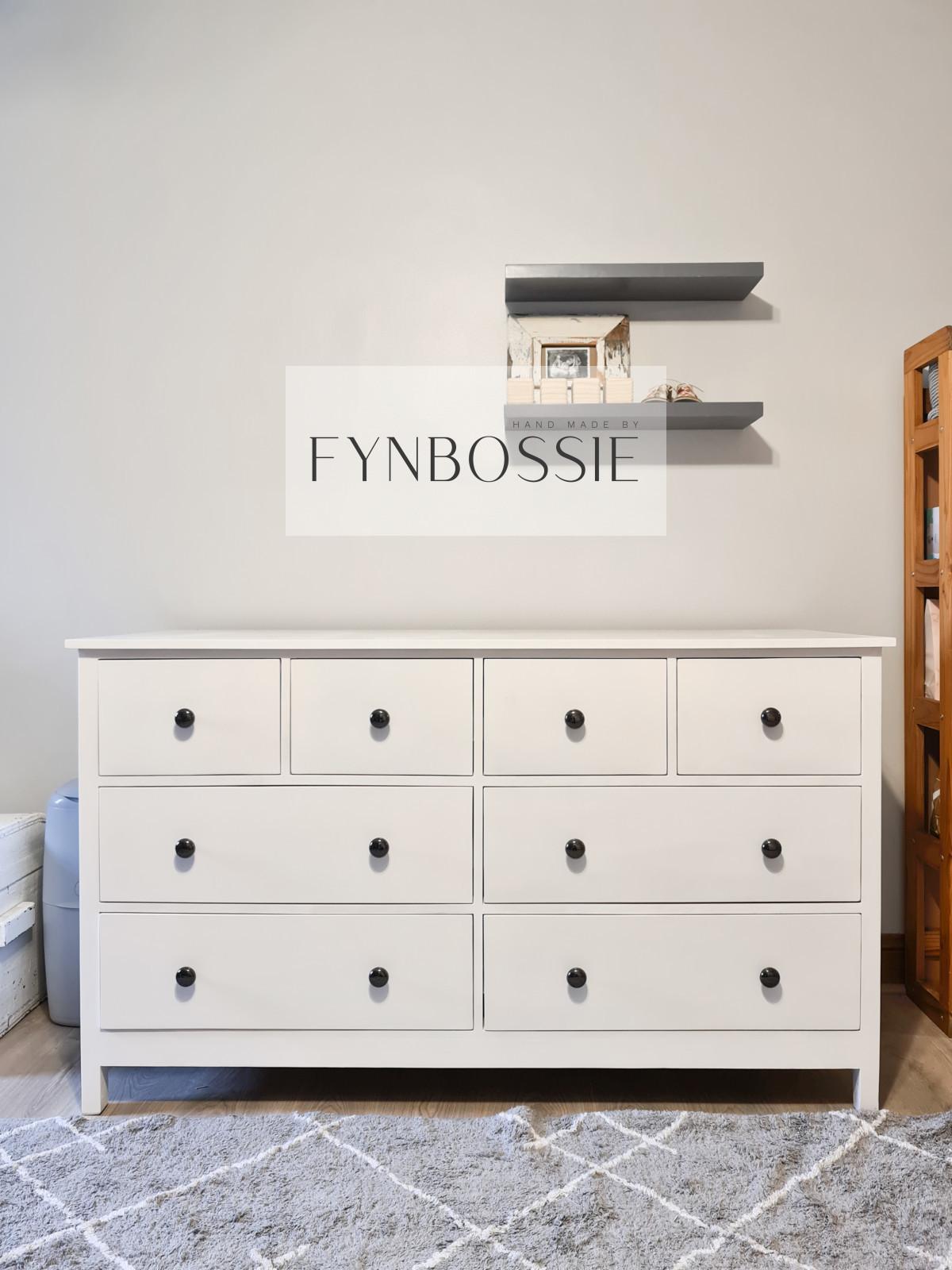 Paris chest of drawers / Compactum
