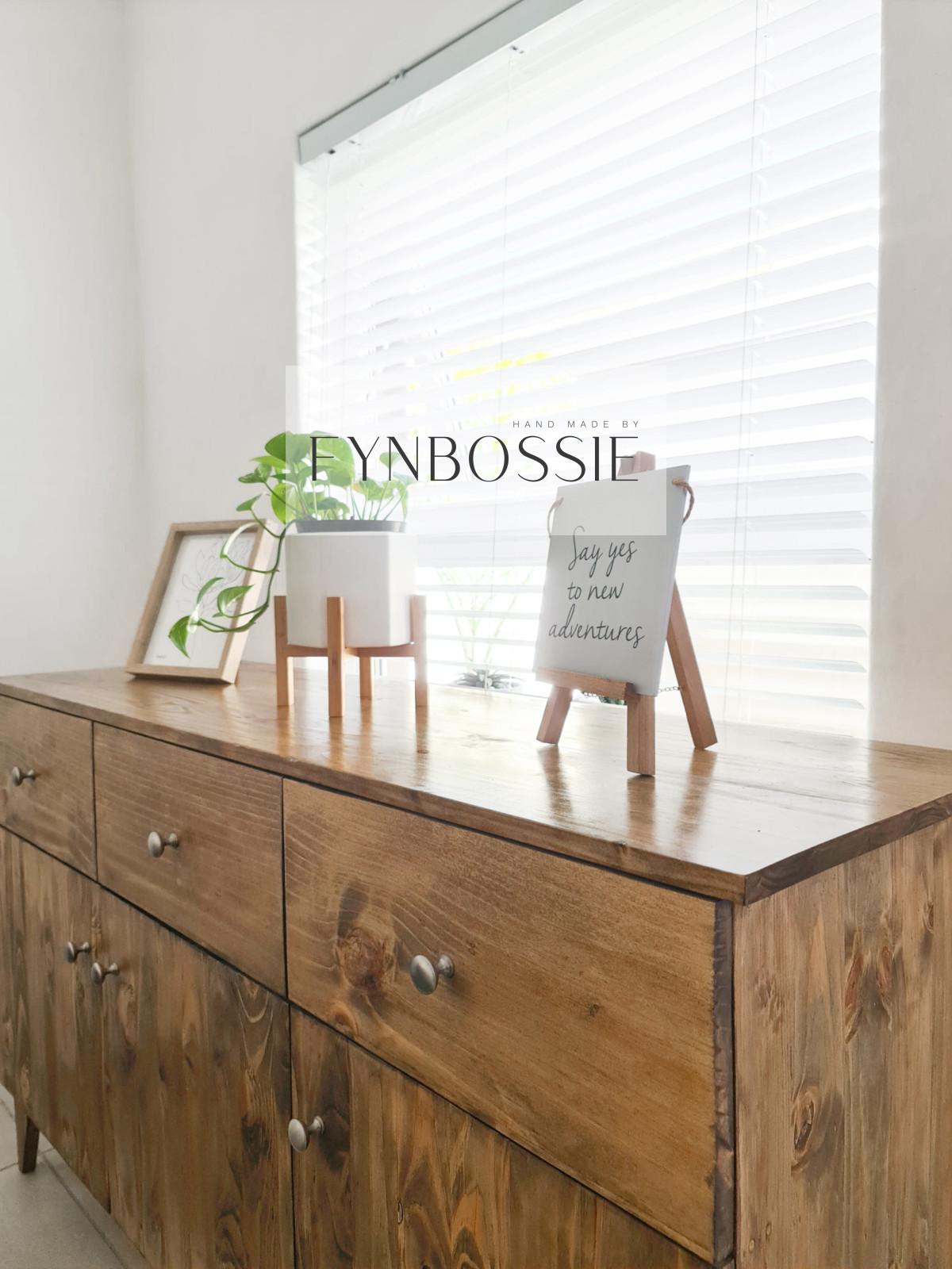Restio sideboard